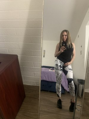 Chrislyne free sex in North Lindenhurst New York, incall escort