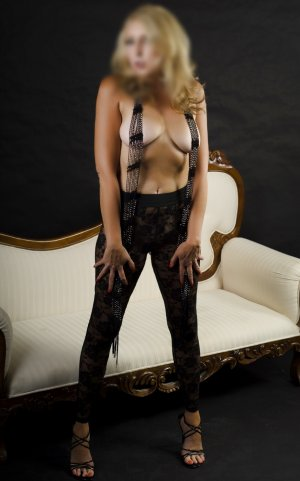 Nourhane independent escorts in Morganton