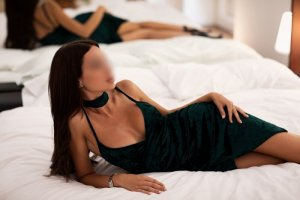 Rosemonde escort girl