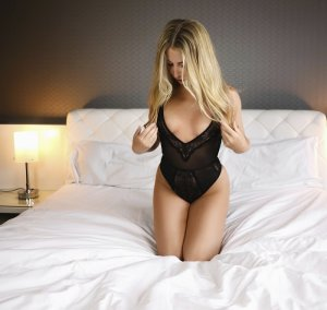 Maxette independent escort & sex contacts