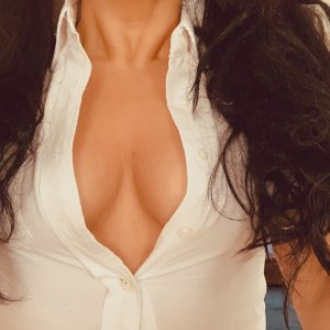 Bouthayna casual sex & escort