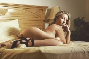Yannicke sex club in Riverbank, call girl
