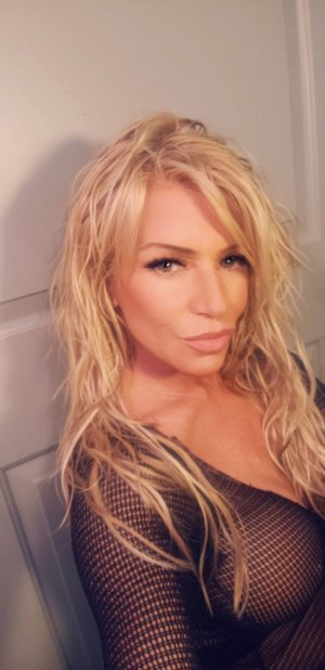 Maryanna incall escort in Bellaire Texas