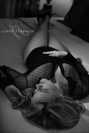 Marie-rosalie speed dating & incall escort